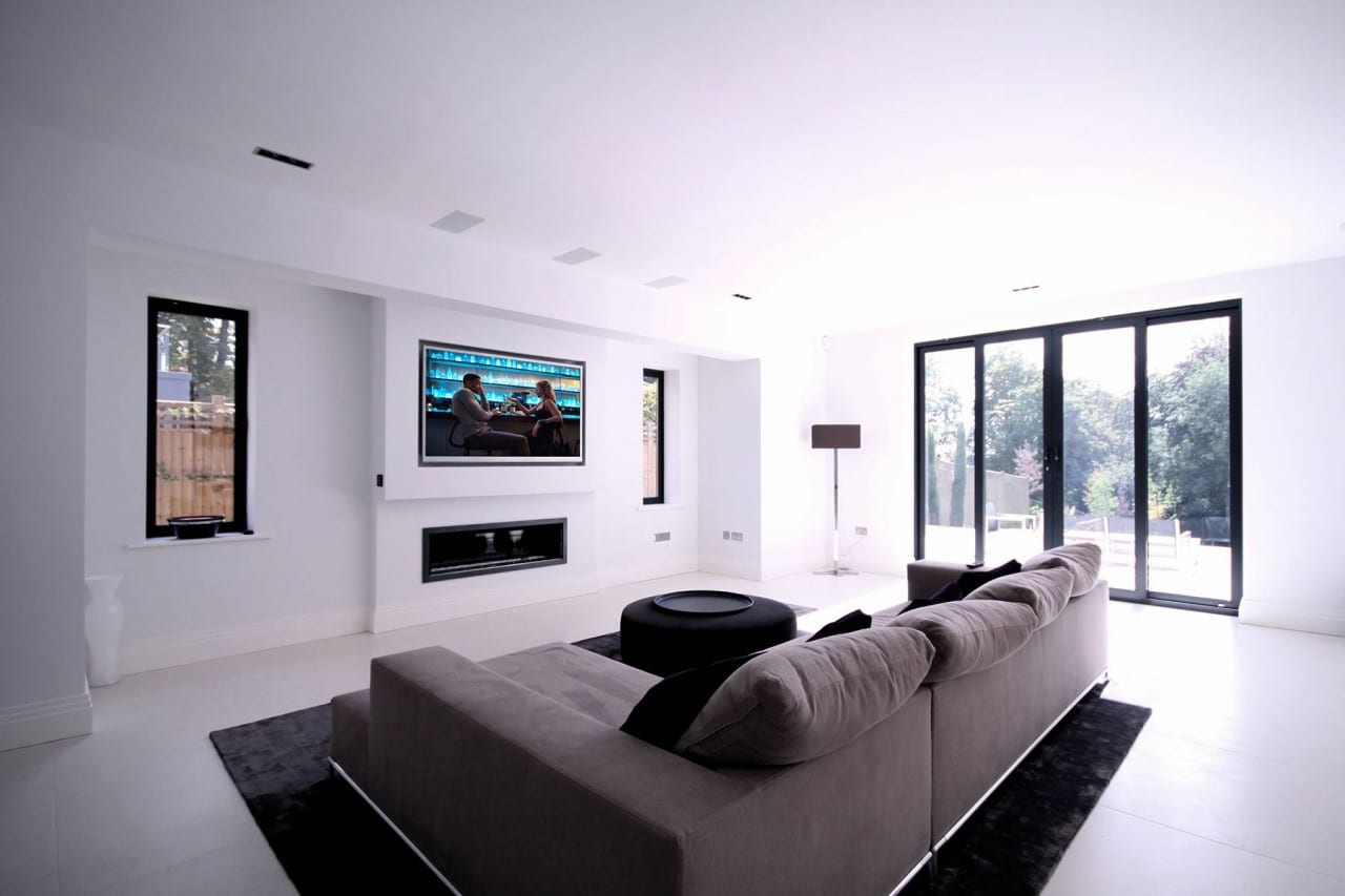 MAXIMIZE YOUR AUDIO EXPERIENCE WITH SURROUND SOUND SYSTEMS!
