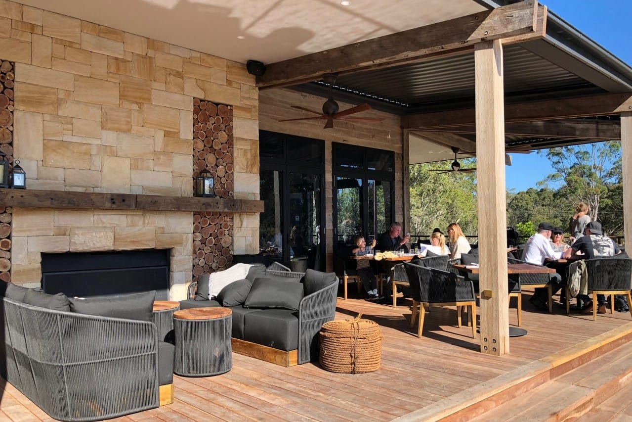 Exterior-deck-at-Saddles-restaurant-Mount-White-NSW